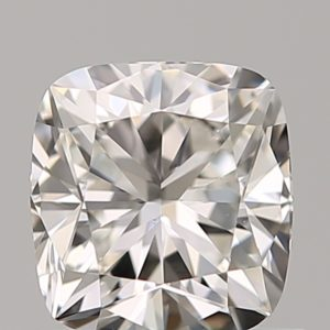 loose cushion cut diamond with 1.05 length to width ratio