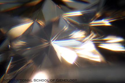 refraction of moissanite stone magnified