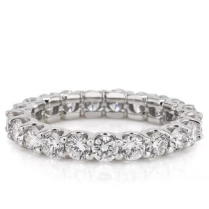 scalloped eternity band with 3mm round lab diamond in white gold